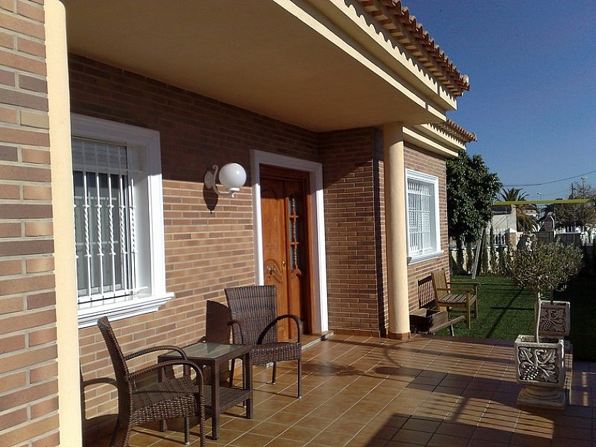 Detached Villa Avileses in Oakwood Properties