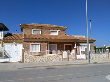 Detached Villa Avileses