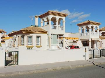 Detached Villa in Pilar de la Horadada, Pinar de Campoverde