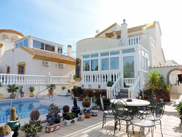 Detached Villa Pinar de Campoverde